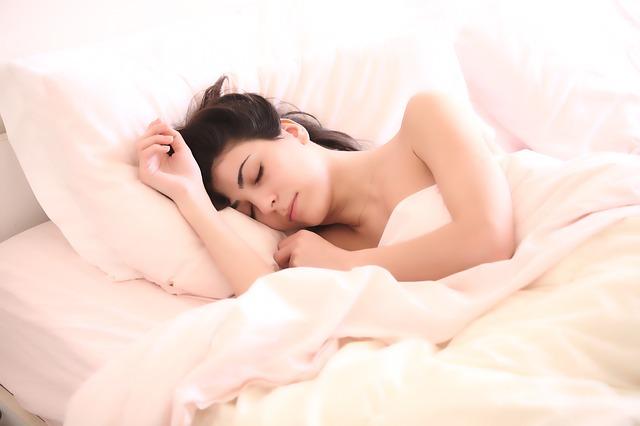 etherische-olie-slapen-nachtrust-lavendelolie