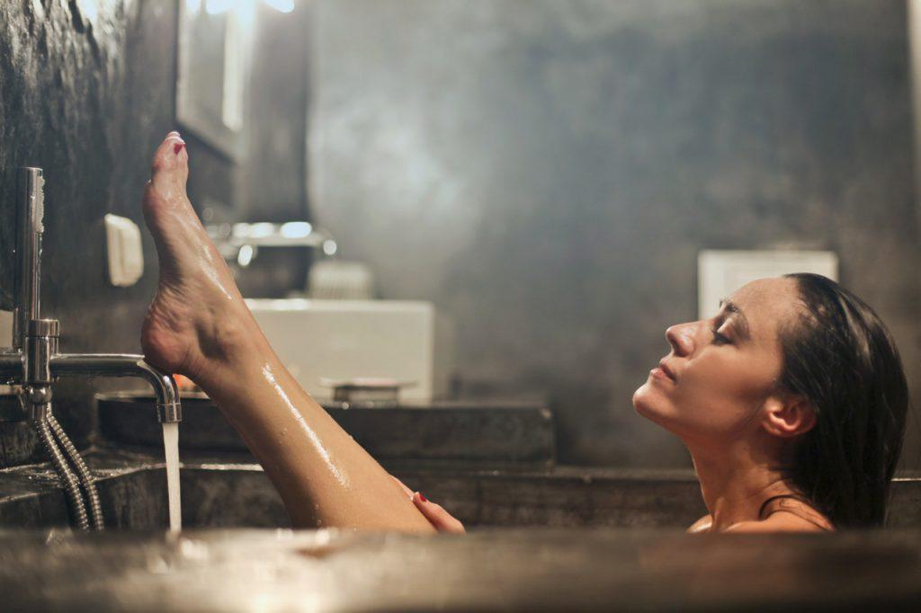 ontspannende olie in bad
